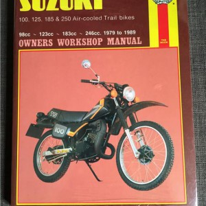 Versktadshandbok SUZUKI 100,125, 185 & 250 Air-cooled trail bikes År:1979-1989